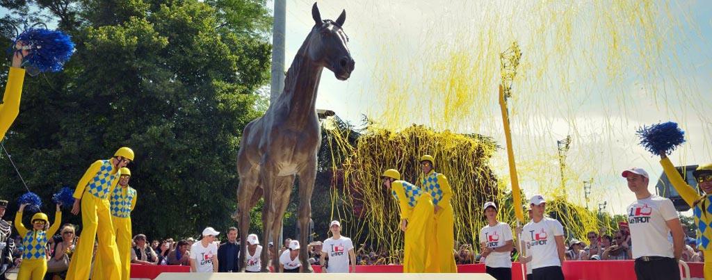 La statue de Ourasi inauguée à Vincennes (Crédit photo : JLL-LeTROT - R&B Presse)