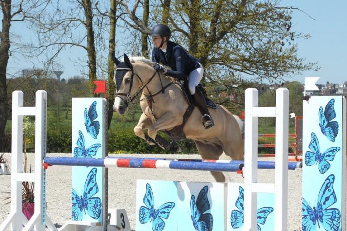 Valérie Cremer et son cheval Meby (Crédit photo : J. Lauwerens)