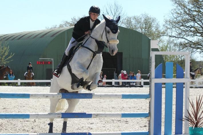 Jessica Blanchy et son cheval White Magic (Crédit photo : J. Lauwerens)