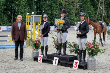 Le podium du Championnat (Crédit photo : José Gustin)