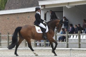 Carole Derau et Dynamite du Cheri Vivier (Crédit photo : www.nathaliegeerlandt.be)