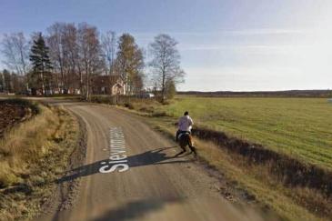 Le cavalier en difficulté lors du passage de la voiture Google. Crédit : Google Street View
