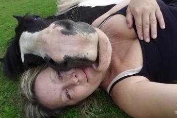 Lisa Brown et son cheval Jimmy (Crédit : Lisa Brown)